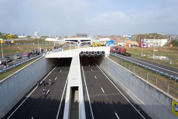Koning_Willem-Alexandertunnel_zuidportaal.jpg